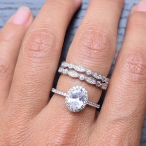 Jewelry - CERTIFIED 2.00 cttw oval 925 Silver Ring